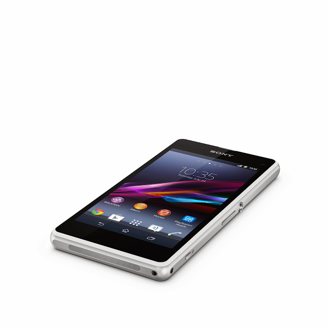 6_Xperia_Z1_Compact_White_Tabletop