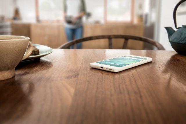 Xperia-E3-White-UI-Lockscreen-640x427